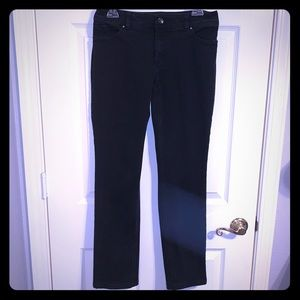 Chicos SLIMMING BOOTCUT BLACK BLING POCKET JEANS!